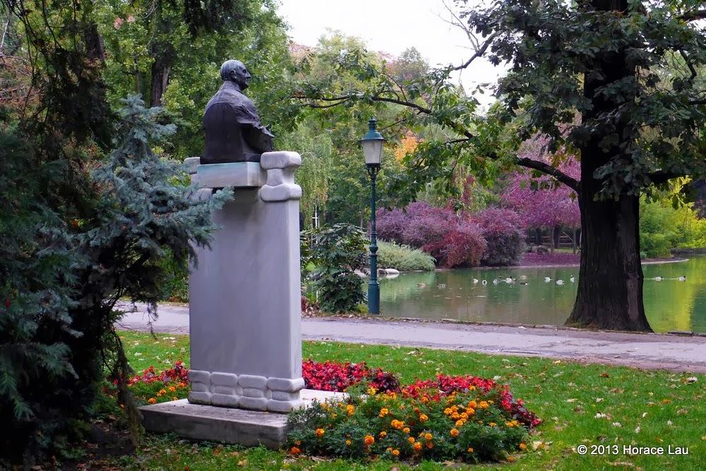 Bruckner statue at Stadtpark Wien