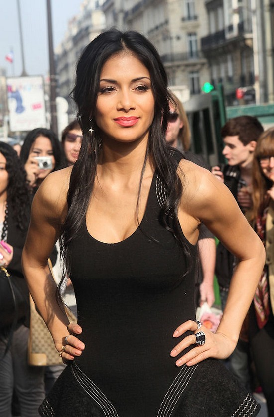 Nicole Scherzinger in Paris During Shopping