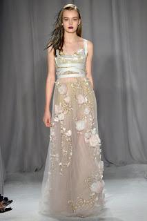haute couture robe magnifique soie dentelle