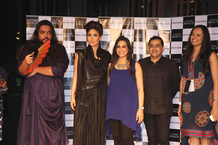 kareena kapoor stopper for designers pankajnidhi lfw 2012. photo gallery