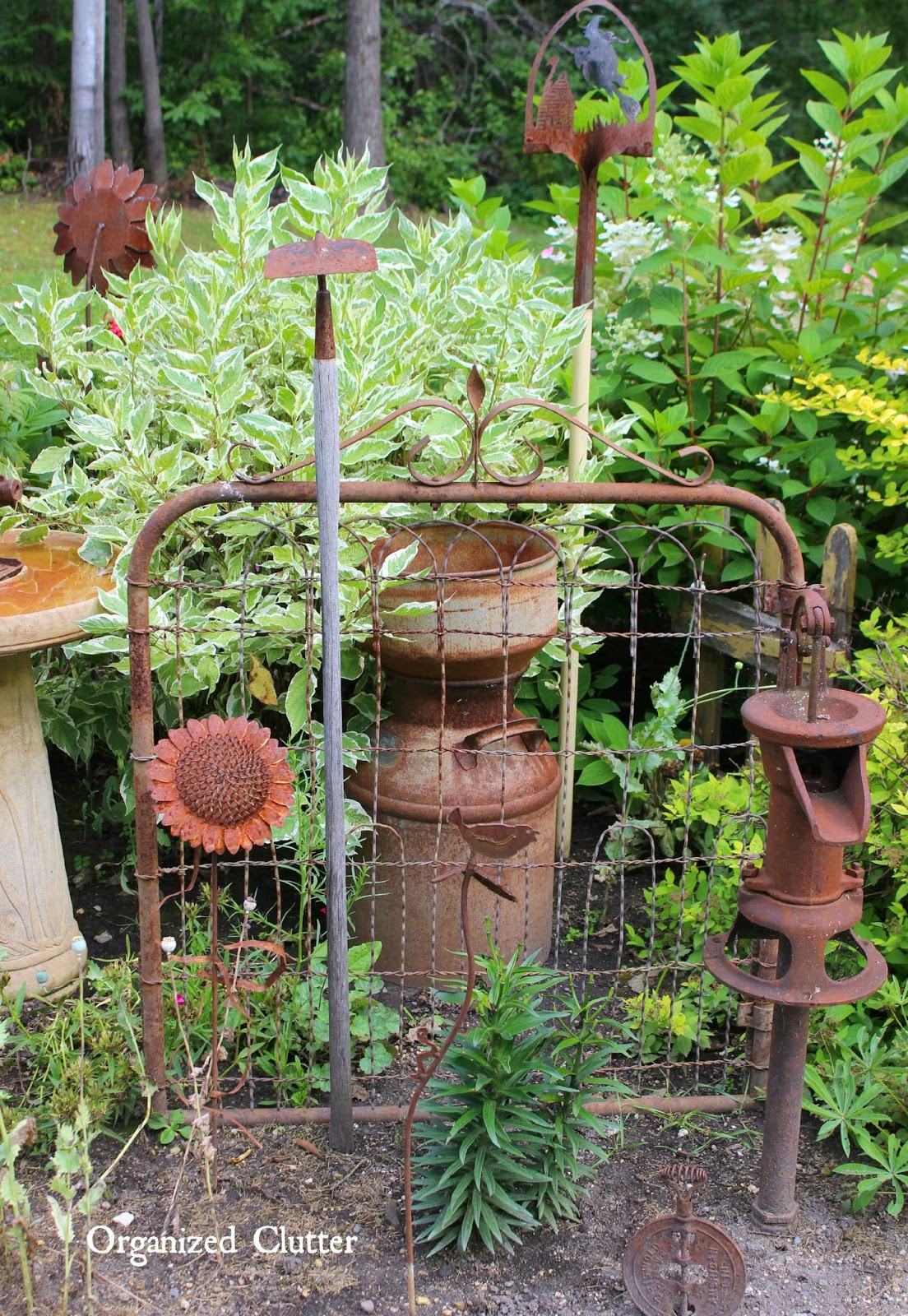 Dana\'s Fun Outdoor Junk Decor & Gardens | Organized Clutter