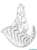 Alice merenung di daun raksasa
