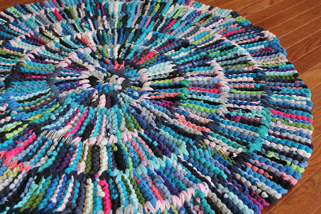 handiworkingirls rag rug circular t shirt rainbow blue purple pink artisan knitted
