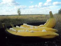banany z białą czekoladą, z grilla