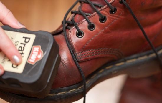 Tips Merawat Sepatu Kulit Agar Awet, Tidak Pecah, Mengelupas dan Bau
