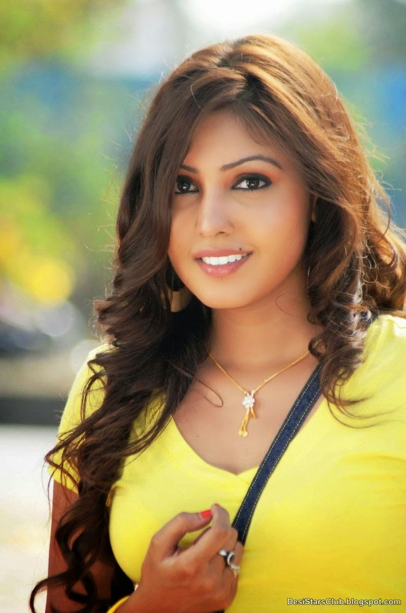 Komal+Jha+Latest+Sizzling+Top+Dress+Photos+(1) Komal Jha Latest Sizzling Top Dress Photos