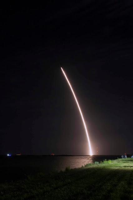 Falcon, la fusée qui revient comme celle de Tintin