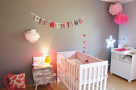 Valet De Chambre Bois Design : Un dormitorio para bebé dulce y elegante gracias a las paredes grises