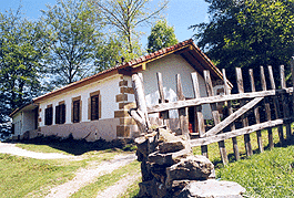 ESCUELA SAN ANDRES DE LUENA