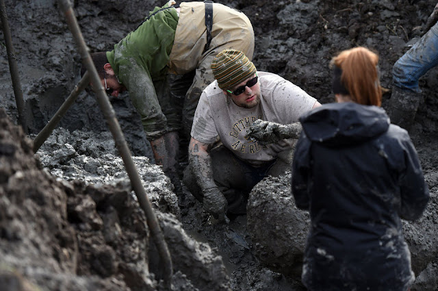 Michigan farmer finds 15K-year-old woolly mammoth skull stashed by Ancient Natives. -8be25ccd5162275e