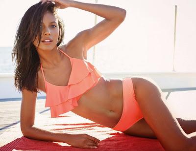 Brazilian bombshell Emanuela de Paula sexy pose Next sexy bikini models