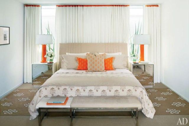 combinar beige y naranja en decoracion