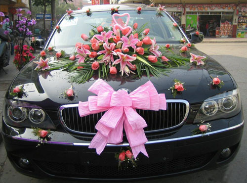 Bridals and Grooms Point: Latest Pakistani wedding car decoration