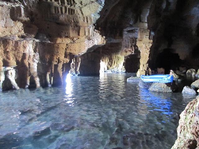 La sala inundada de la cova Tallada