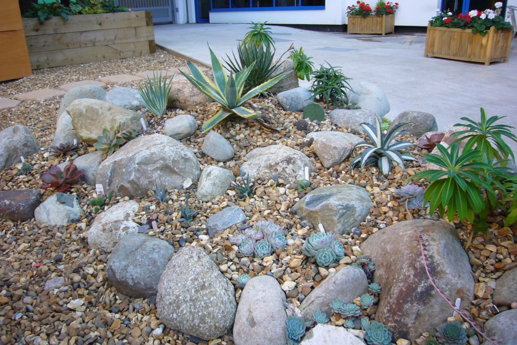 1000 images about garden rockery ideas on pinterest - Ideas para hacer un jardin ...