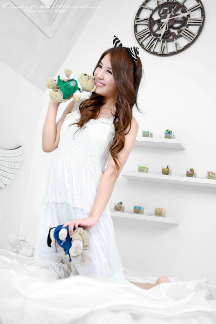 4 Yoon Joo Ha in White - very cute asian girl - girlcute4u.blogspot.com