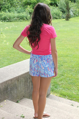 Lilly Shorts in Red Right Return Anchors and Pearls