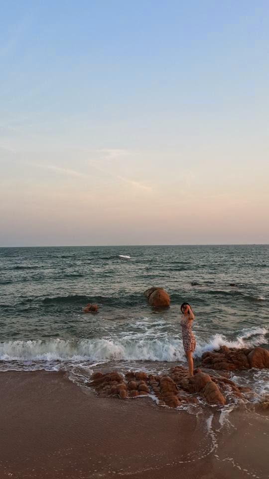 Người đẹp Châu Dương đi tắm biển 4