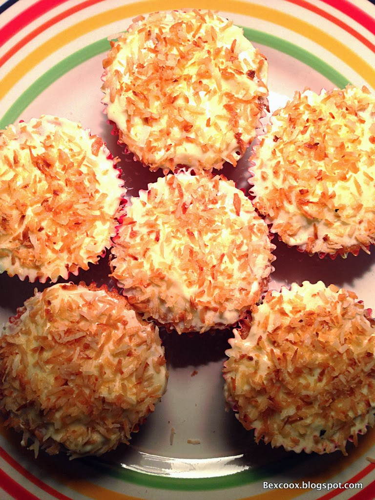 BexCoox: Coconut Cupcake with ButterCream Icing sprinkled ...