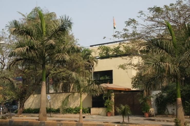Amitabh Bachchan House Photos Mumbai Home Address Phone