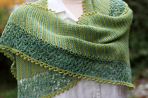 Knitting Patterns For Circular Shawls : knitnscribble.com: Moving right along - seven shawls and then some