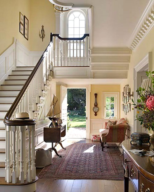 Decorating A Foyer Content In A Cottage
