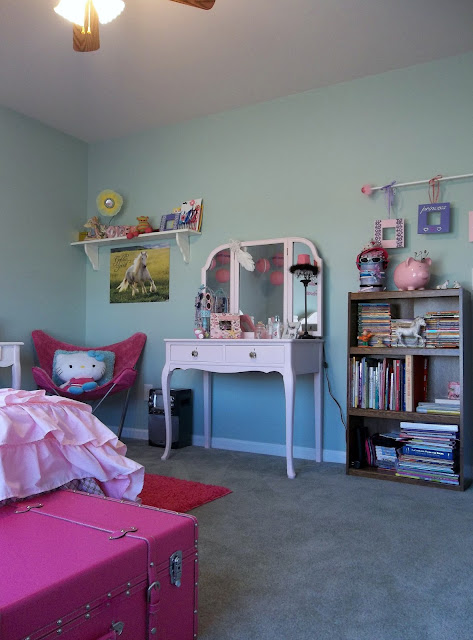 Vintage, Paint and more... Little girls room furnished with thrifted repainted furniture