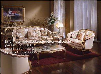 toko mebel jati klasik,jual sofa Classic Eropa,Jual Mebel Jepara,Sofa Classic cat Duco,Sofa Classic Jepara,Sofa Classic High class,Jual Mebel ukir asli Jepara,Jual Sofa Classic CODE-SFTM 109 sofa tamu classic Eropa Mewah Jakarta