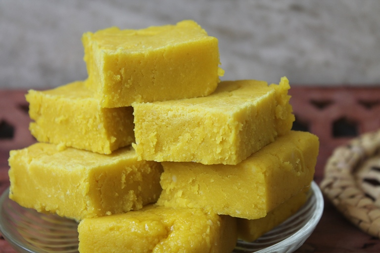 Easy maida burfi recipe quick barfi made in 20 mins yummy tummy easy maida burfi recipe quick barfi made in 20 mins forumfinder Image collections