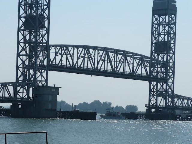 The Rio Vista Bridge in Action