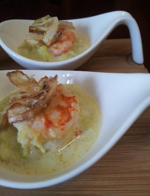 zuppa di porri e gamberi finger food