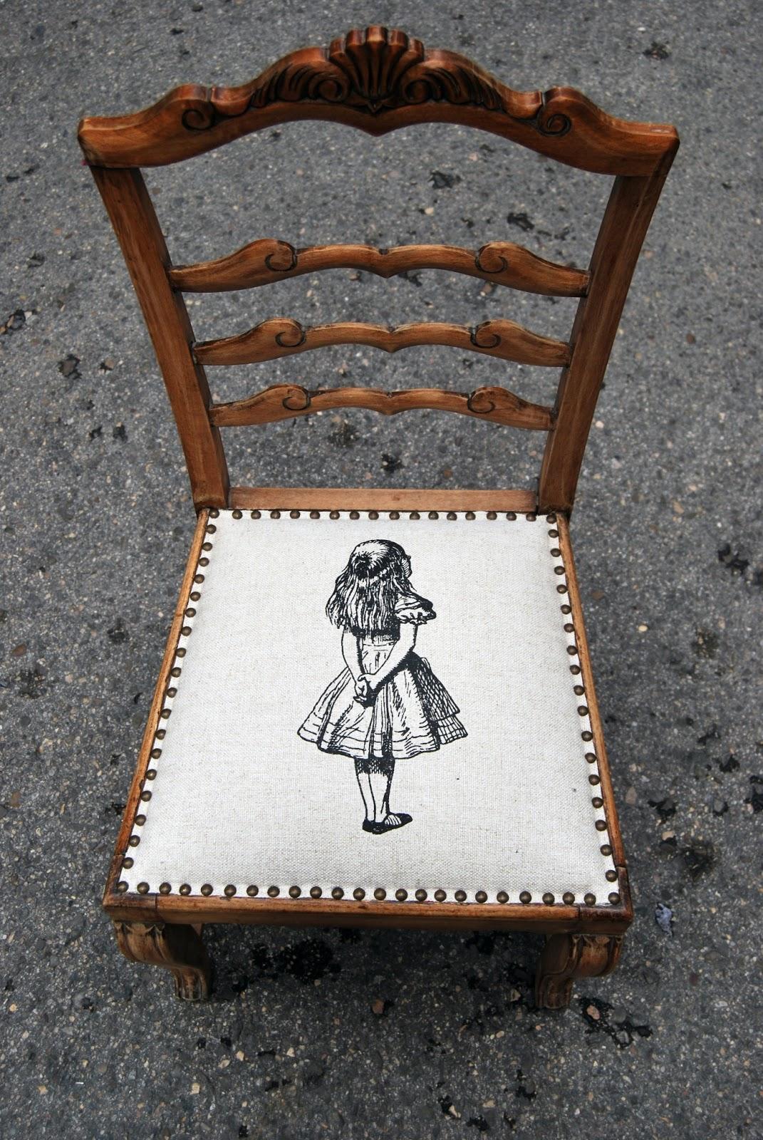 Tachuela la tapicera for Sillas tapizadas estampadas