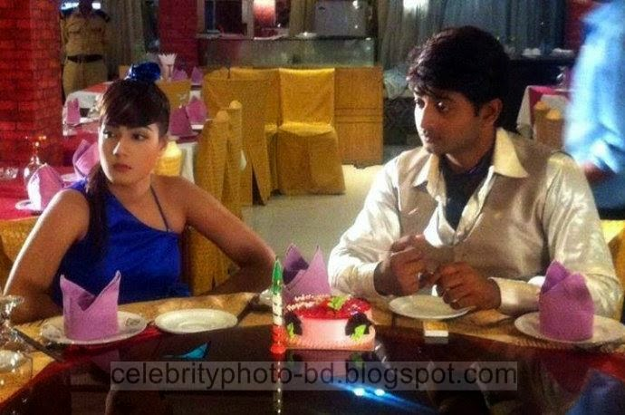 Mahiya+Mahi+and+Bappy+Chowdhury's+Some+Romantice+Hot+Photos+Latest+Collection+From+Bangla+Movie+Honeymoon+(2014)012