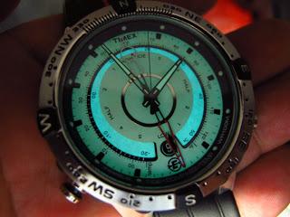 Jam tangan sporty sekaligus memiliki beberapa fitur yang berguna untuk  dipakai di lapangan.... dengan brand TIMEX a67e25fbd6