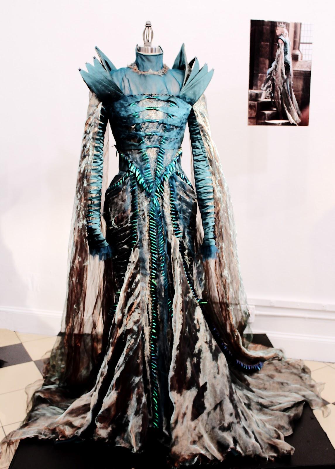 Ravenna, La Reina Malvada Snow+White+Beetle+dress+full