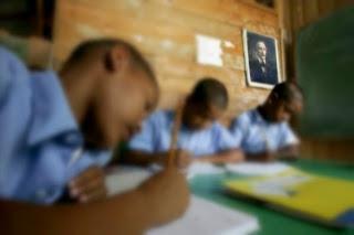 Angustia y desesperación vivieron los padres de un niño de 10 años que amaneció encerrado en una escuela en Villa Mella.