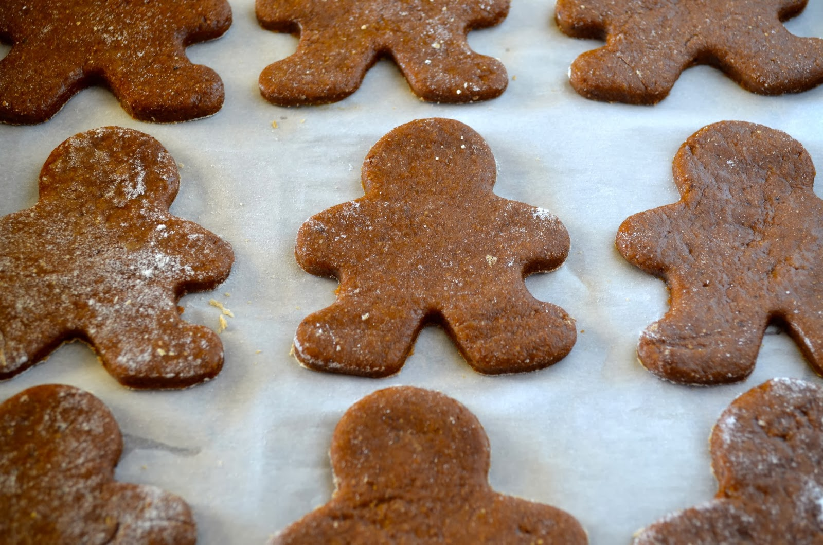 ... Baker: A Trio of Christmas Gifts (+ Soft Vegan Gingerbread Cookies