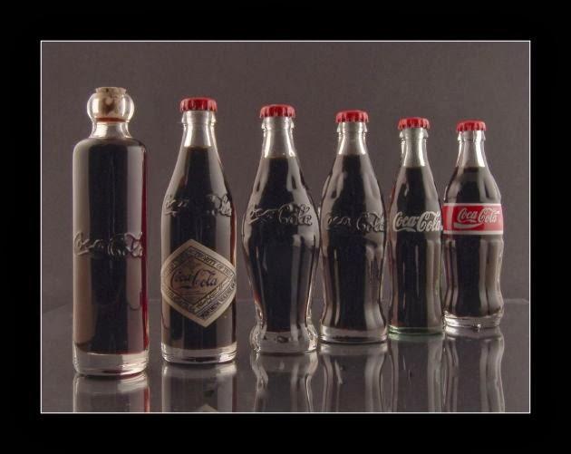 Beginilah Bentuk Botol Coca-Cola untuk Pertama Kalinya