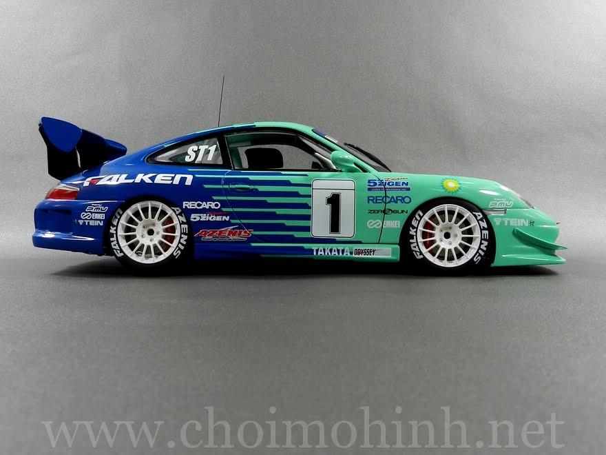 Porsche 911 GT3 Falken Super Taikyu 1:18 AUTOart side