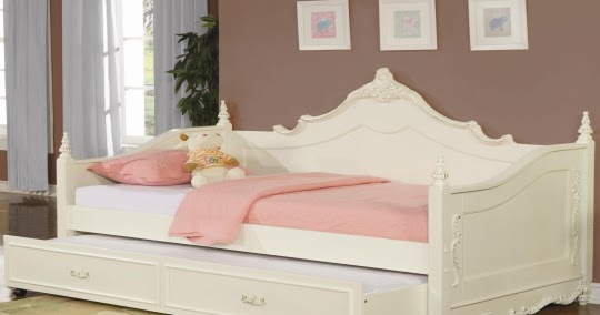 Space Saving Trundle Beds Trundle Beds For Small Bedroom Space