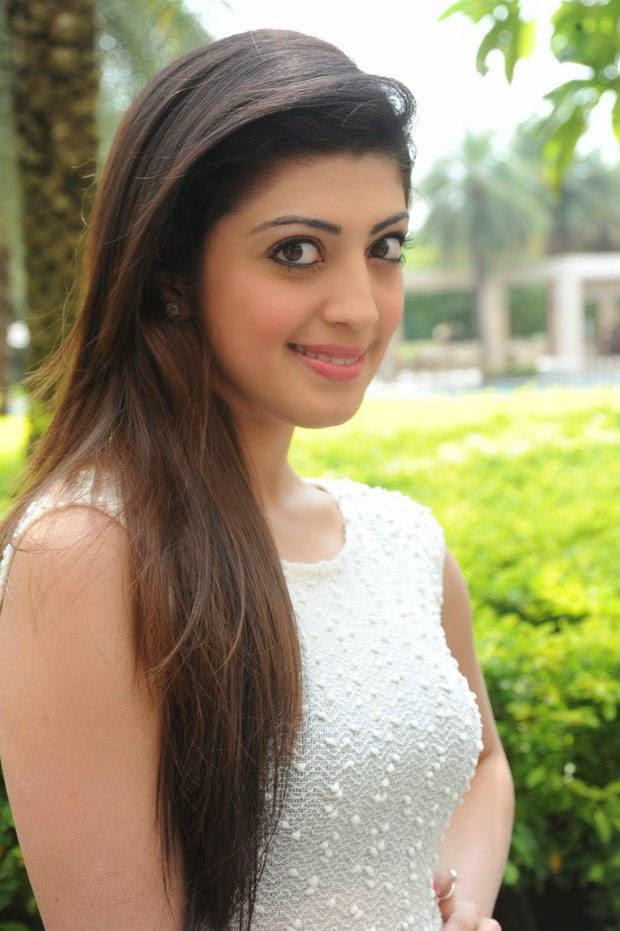 actress pranitha latest stills