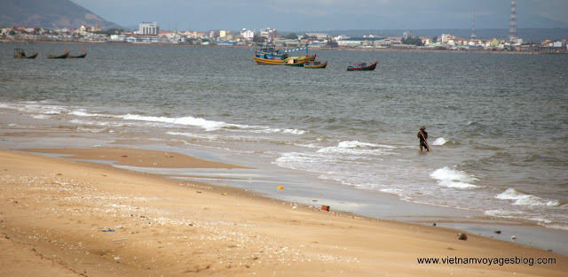 Ham Thuan Nam Beach - Jun 2013 - Photo An Bui