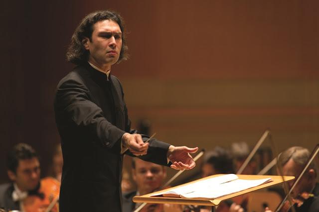 Vladimir Jurowski  & London Philharmonic Orchestra - credit Drew Kelley