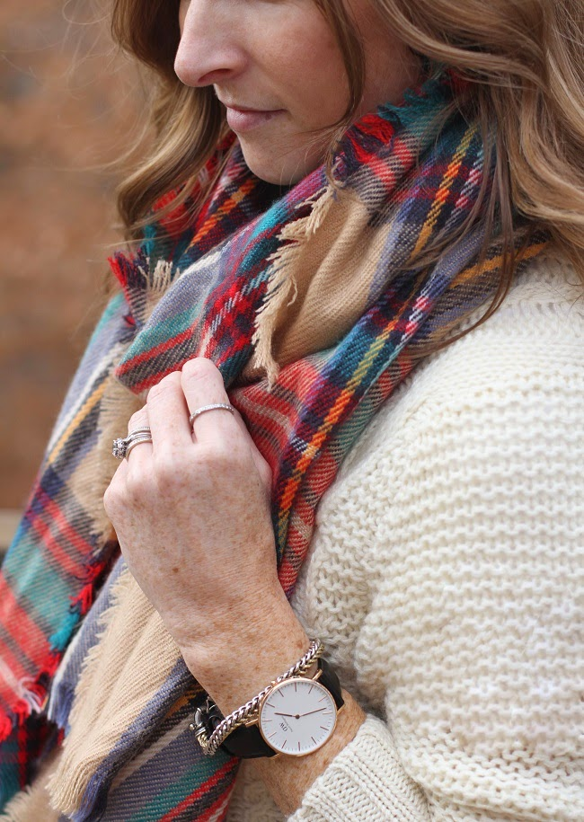 jcrew cashmere sweater, jbrand cropped jeans, merona plaid scarf, tory burch booties, louis vuitton neverfull, daniel wellington watch