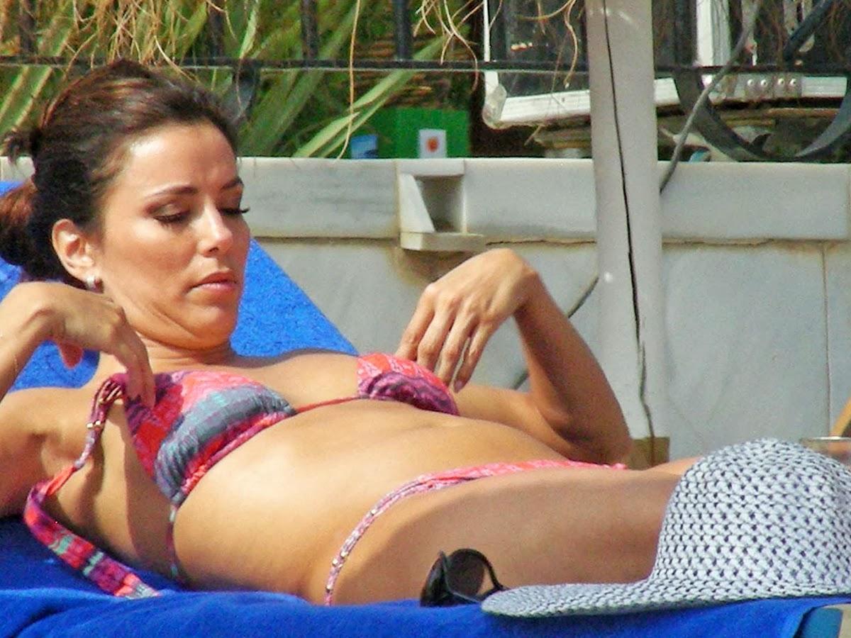 Eva Longoria showing off her bikini