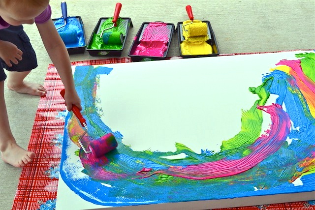 http://howwemontessori.typepad.com/how-we-montessori/2011/11/big-art.html