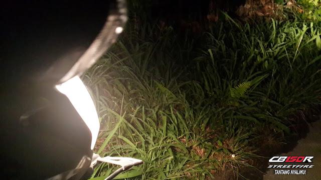 Terangnya lampu CB150R
