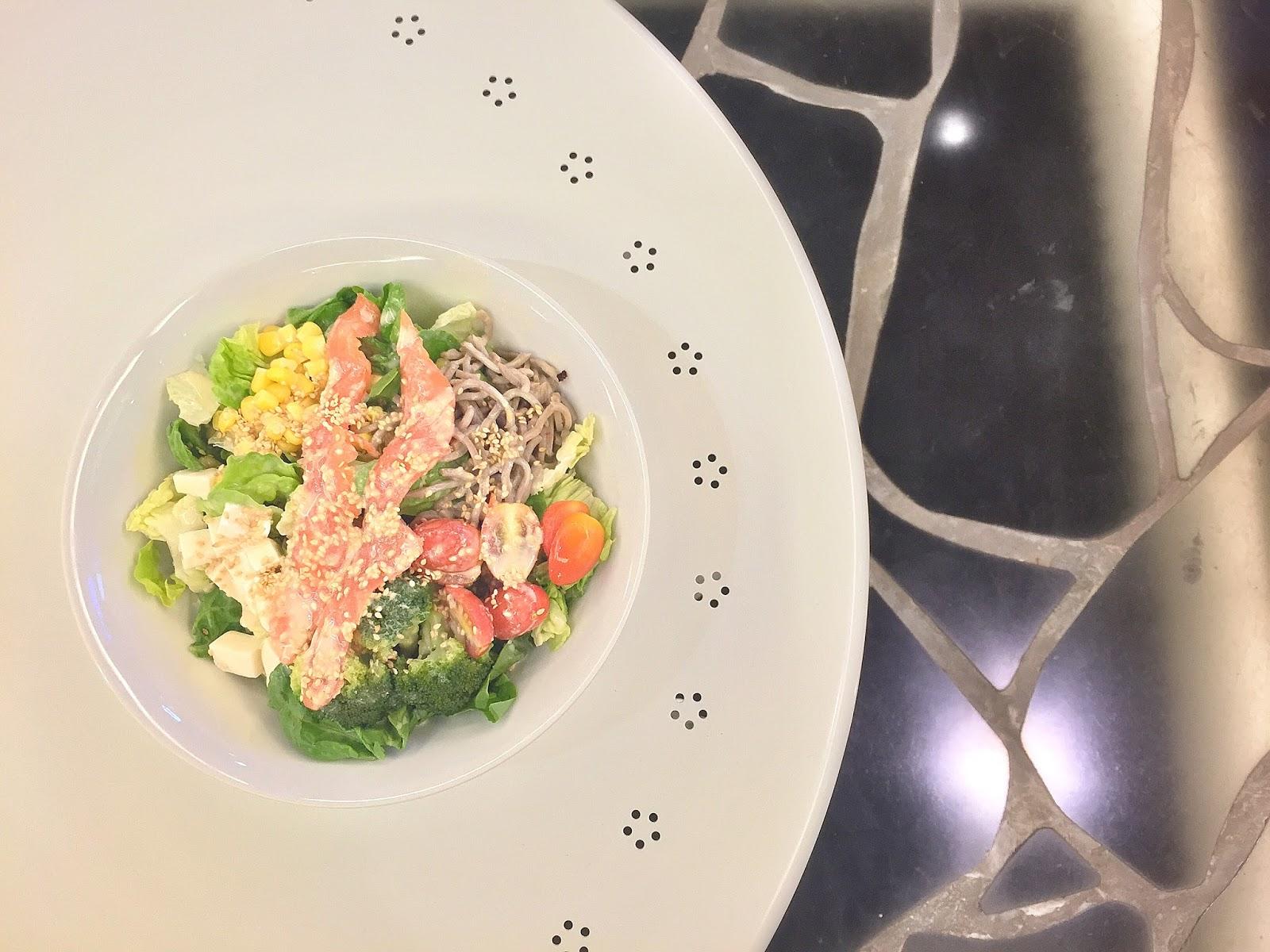 Green Rabbit Crepe & Salad Gastrobar - Koi Nippon