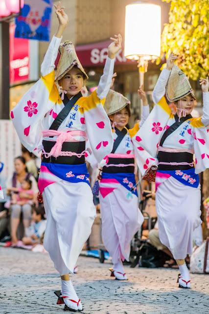 三鷹阿波踊り 富道連の女踊り