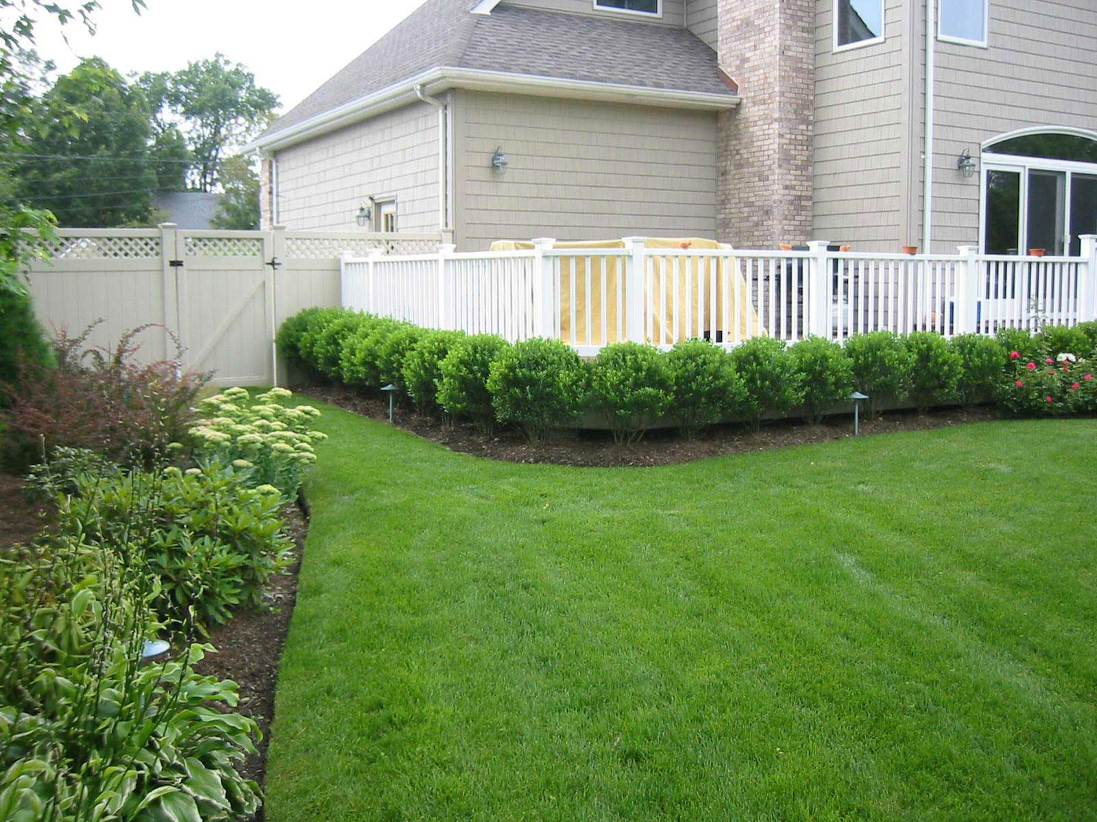 Woodland shade gardens for kaye blomeke deck garden beds for Garden decking near me
